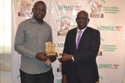 Sangaré Yacouba, heureux de reporter ce prix, a remercié et félicité le Directeur Général de la Lonaci, Dramane Coulibaly, pour l'initiative du ''Challenge social''