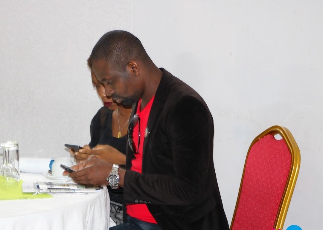 En effet, les blogueurs, web activistes et journalistes ont été sélectionnés, si l'on en croit à Magloire N'Déhi, Chargé de programmes - Communication, pour leur valeur aux yeux de la Fondation.